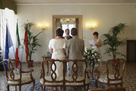 Civil wedding ceremony at Palazzo Cavalli, Venice