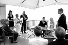 Wedding ceremony performed by the registrar of Positano