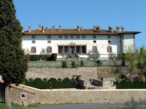 Medicean Villa near Florence for outdoor civil weddings