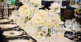 Roses & Amarillis table decor