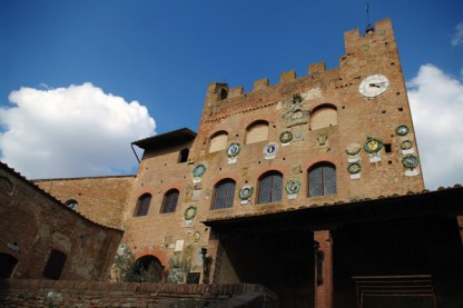 Palazzo Pretorio facade