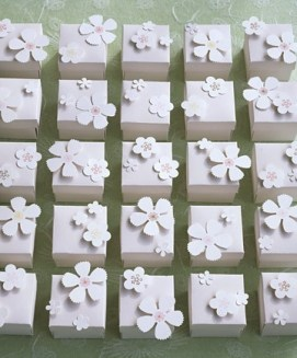 Paper boxes for almonds