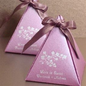 radiant orchid wedding favors
