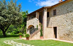 Luxury country house at Palazzo Terranova, wedding venue in Umbria