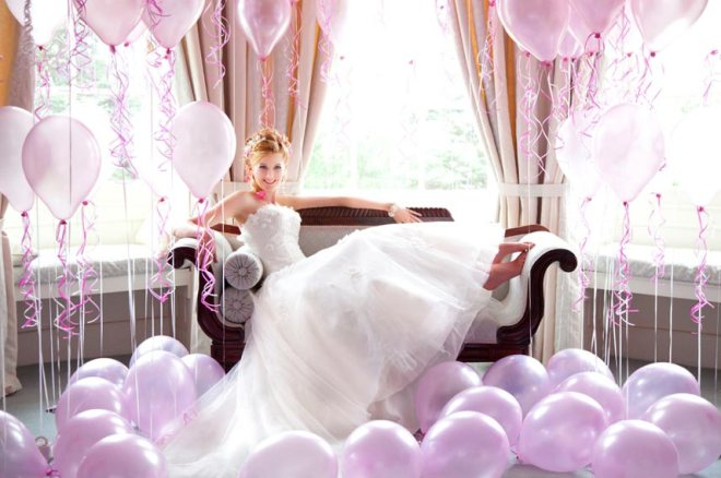Balloon inspired bridal photo shooting