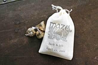 Simple and elegant favor bag.