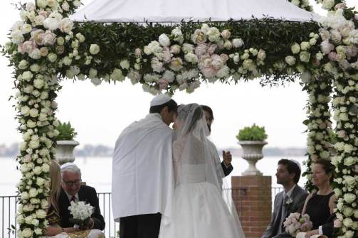 Chuppah for outdoor Jewish wedding in Venice