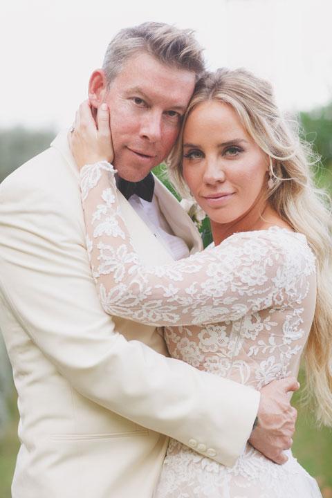 Bridal couple at a villa wedding in Ravello