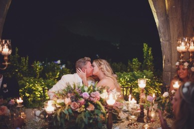 Romantic kiss for the bridal couple at a Ravello wedding