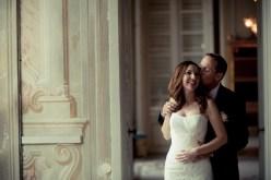 Bridal couple inside Villa Durazzo