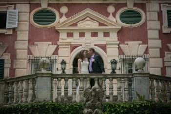 Bridal couple in front of Villa Durazzo in Santa Margherita