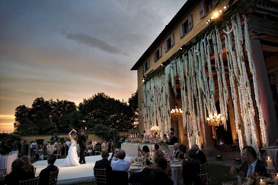 First dance at Villa di Maiano