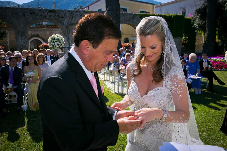 Exchange of rings at Ravello ceremony