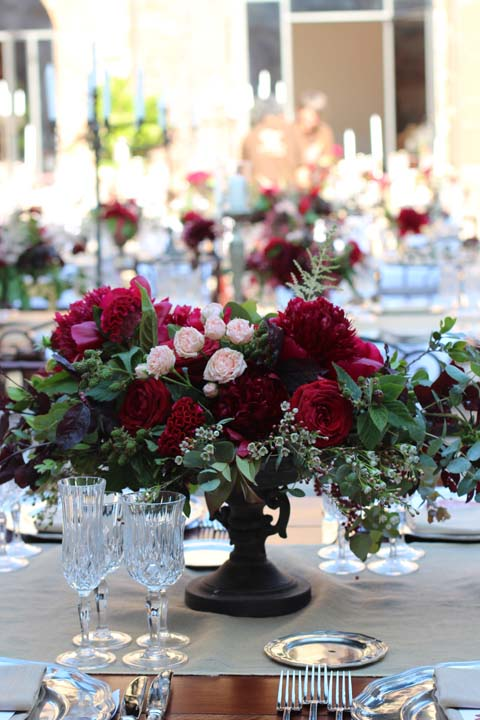 Floral composition for castle wedding in Tuscany