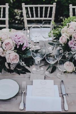 Romantic flowers for Ravello wedding reception