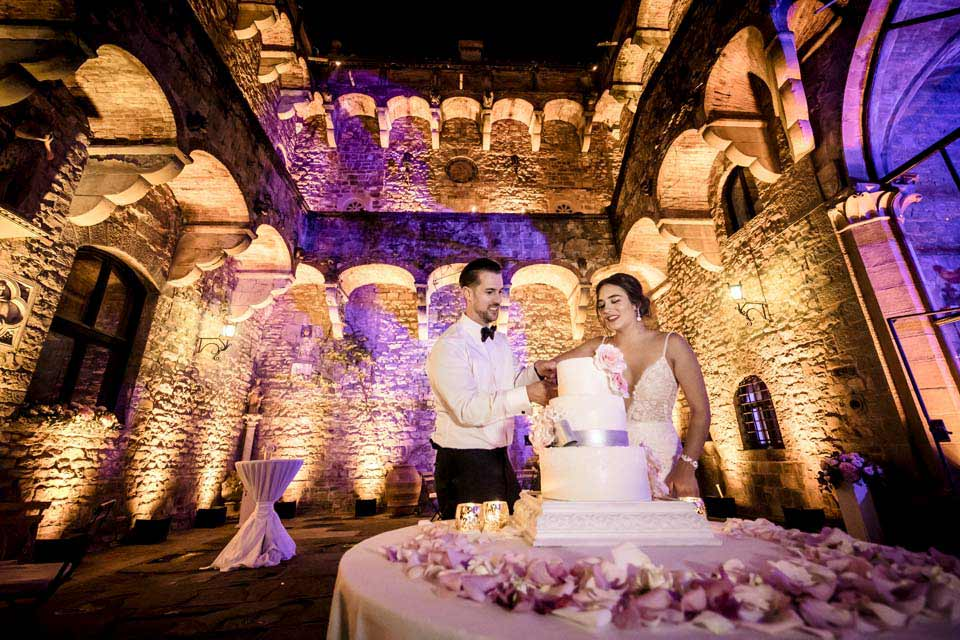 Cake Cutting at Vincigliata Castle Courtyard