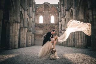 tuscany-wedding-san-galgano-mimi-and-decker-0046