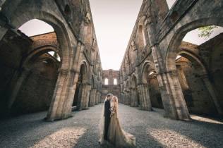 tuscany-wedding-san-galgano-mimi-and-decker-0048