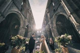 tuscany-wedding-san-galgano-mimi-and-decker-318