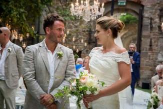 castle-wedding-tuscany-vincigliata-340