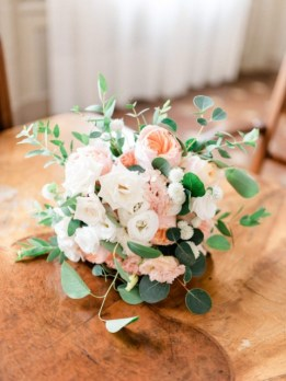 Bridal bouquet in white and peach