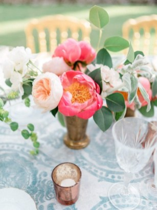 Delicate flowers for wedding in Tuscany