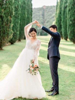 Bride and groom in the gardens of Villa Cetinale