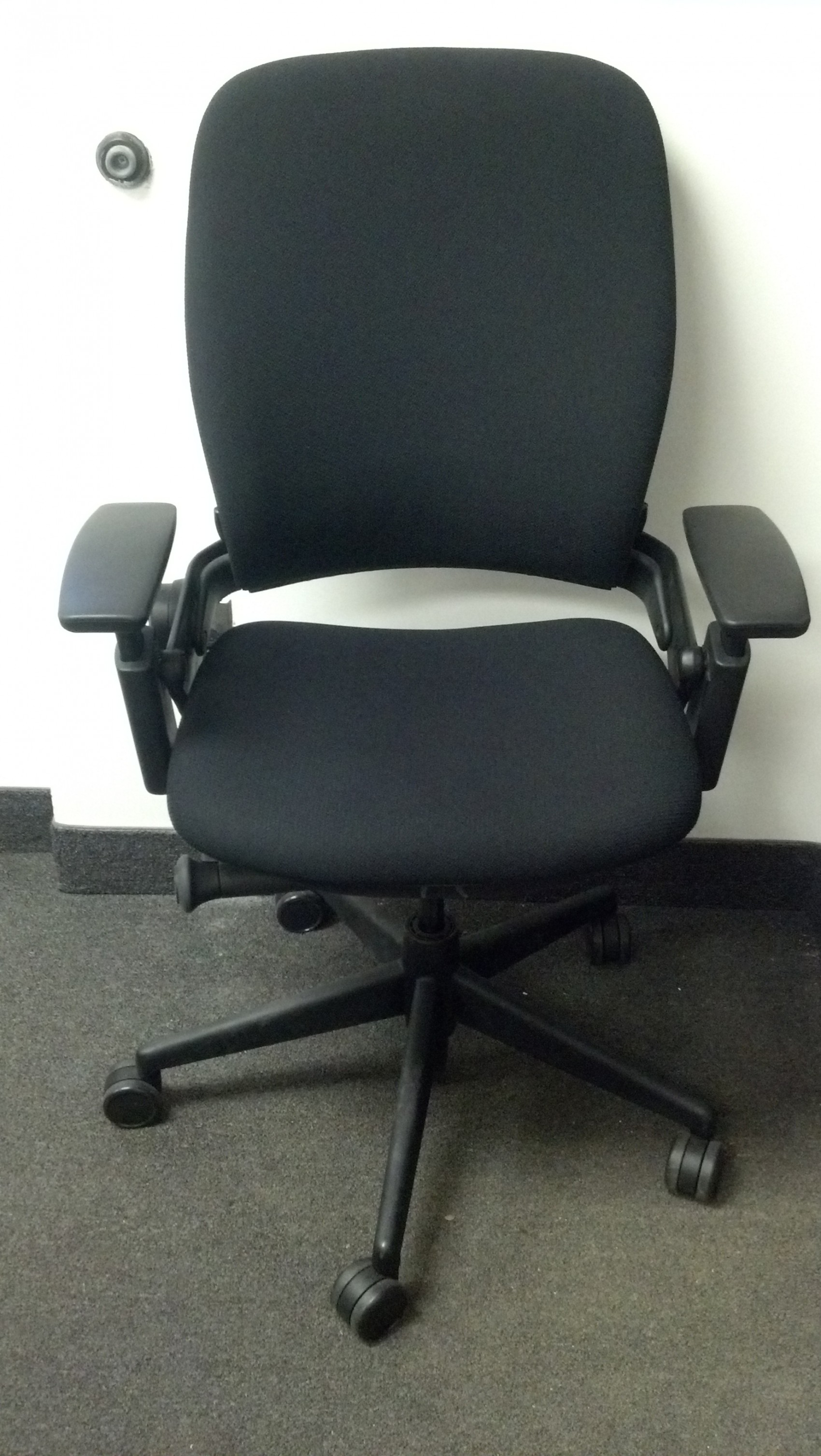 steelcase leap chair computer back support executive liquidation  quality