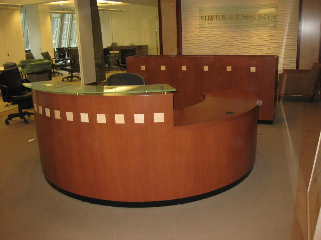 Reception DeskRound  Executive Liquidation  Quality