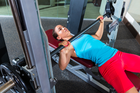 Why The Smith Machine Bench Press Is Ideal For Beginners