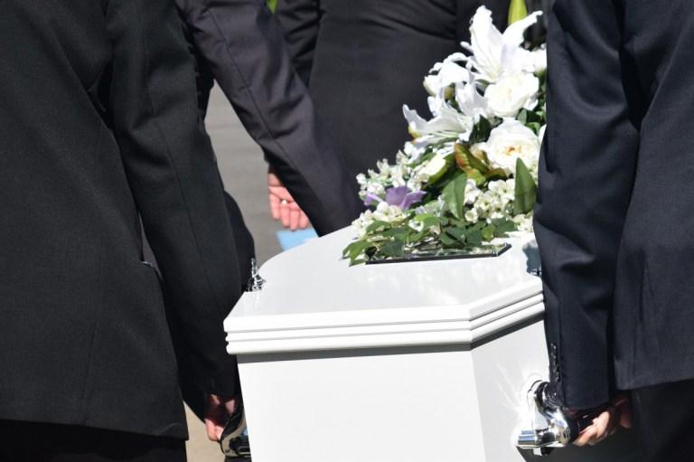 Risparmiare sul Costo del Funerale: NON Fidarsi Se….