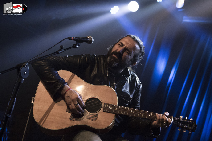 Omar Pedrini + Dan + Il Grido. Concerto di Giovedì 17 Maggio 2018 al Largo Venue. Foto Gallery di Fabio Spagnoletto