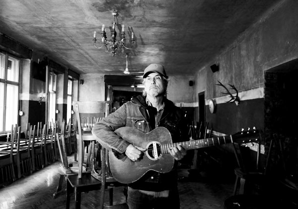 Howe Gelb announces new album 'Gathered' out March 2019 & shares first track ft. M. Ward