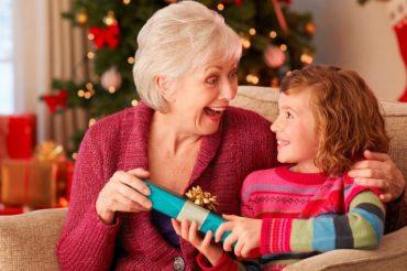 Jakie świąteczne prezenty można wybrać dla rodziców