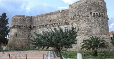 Reggio Calabria: il 3 marzo il castello Aragonese si colorerà di rosso