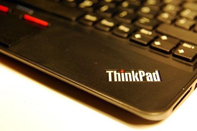 ThinkPad x121e Intel