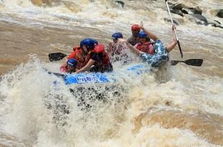Padak River Rafting - Stunt show