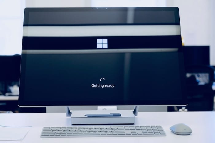Windows PC loading.