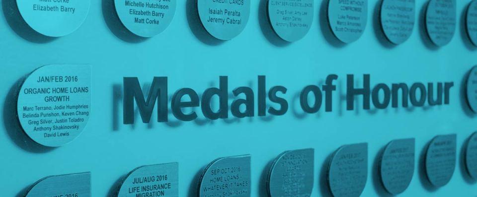Finder - medals of honour
