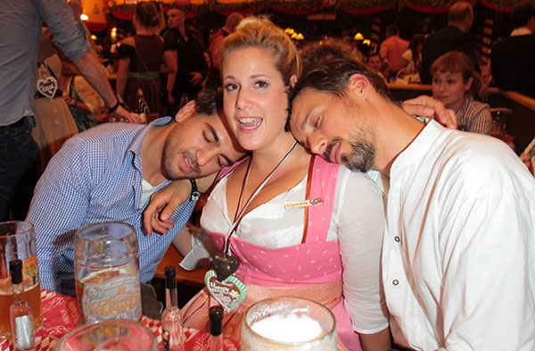 Oktoberfest Bilder Constantin Film Lud Zum Wiesn Stammtisch