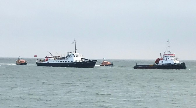 RNLI APPLEDORE AND ILFRACOMBE TOW 300-TON MS OLDENBURG TO SAFETY