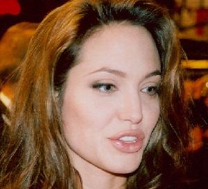 Angelina_Jolie_Double_Mastectomy
