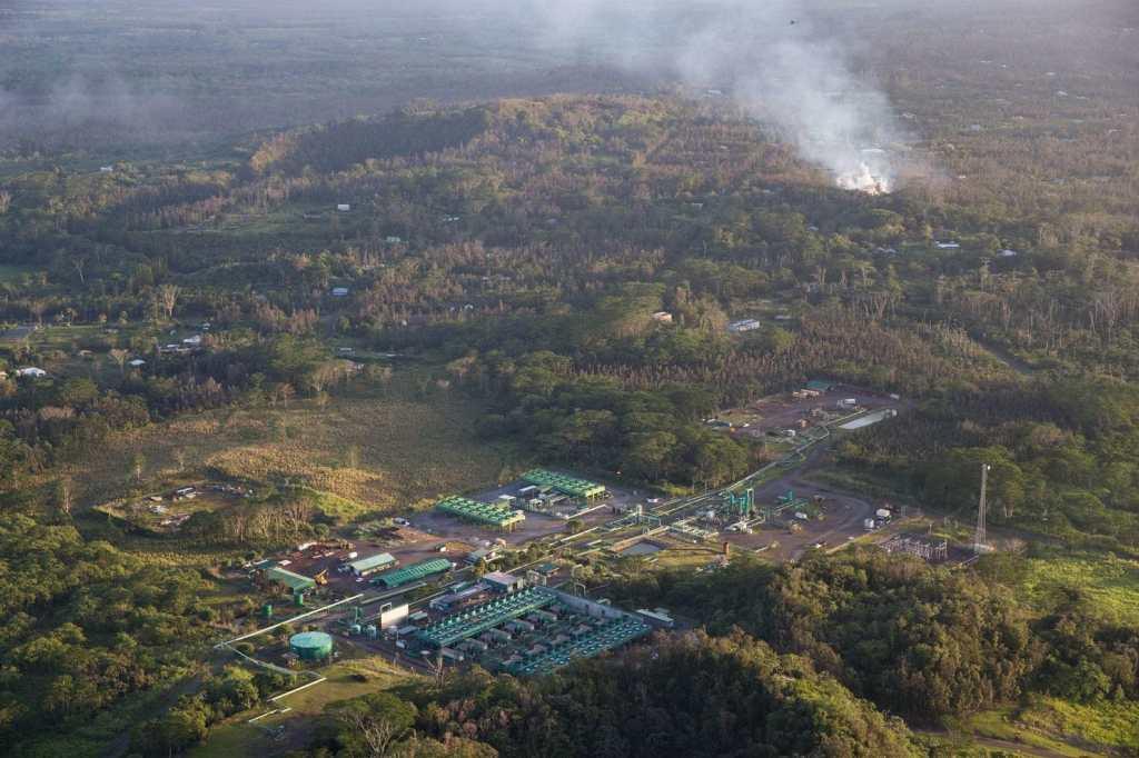 МАЙКЛ САЛЛА 15 МАЯ 2018 Г  Извержение Гавайского вулкана было умышленно спровоцировано для создание массового цунами? PGV-lava-flow