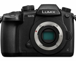 Panasonic Lumix GH5 10-bit 4K Mirrorless Camera Deliver clean images up to ISO 6400