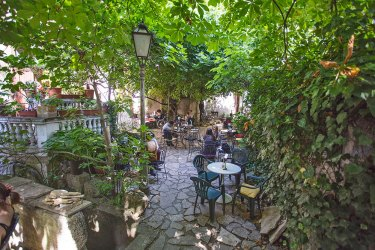 5 hidden garden bars in Zagreb