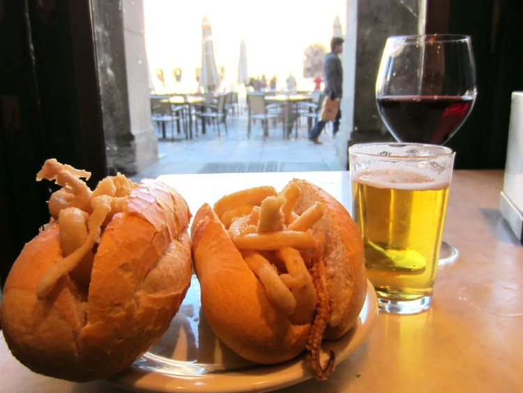 bocadillo de calamares madrid plaza mayor i love spain