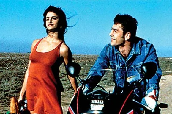 penelope cruz and javier bardem in jamon jamon famous spanish people