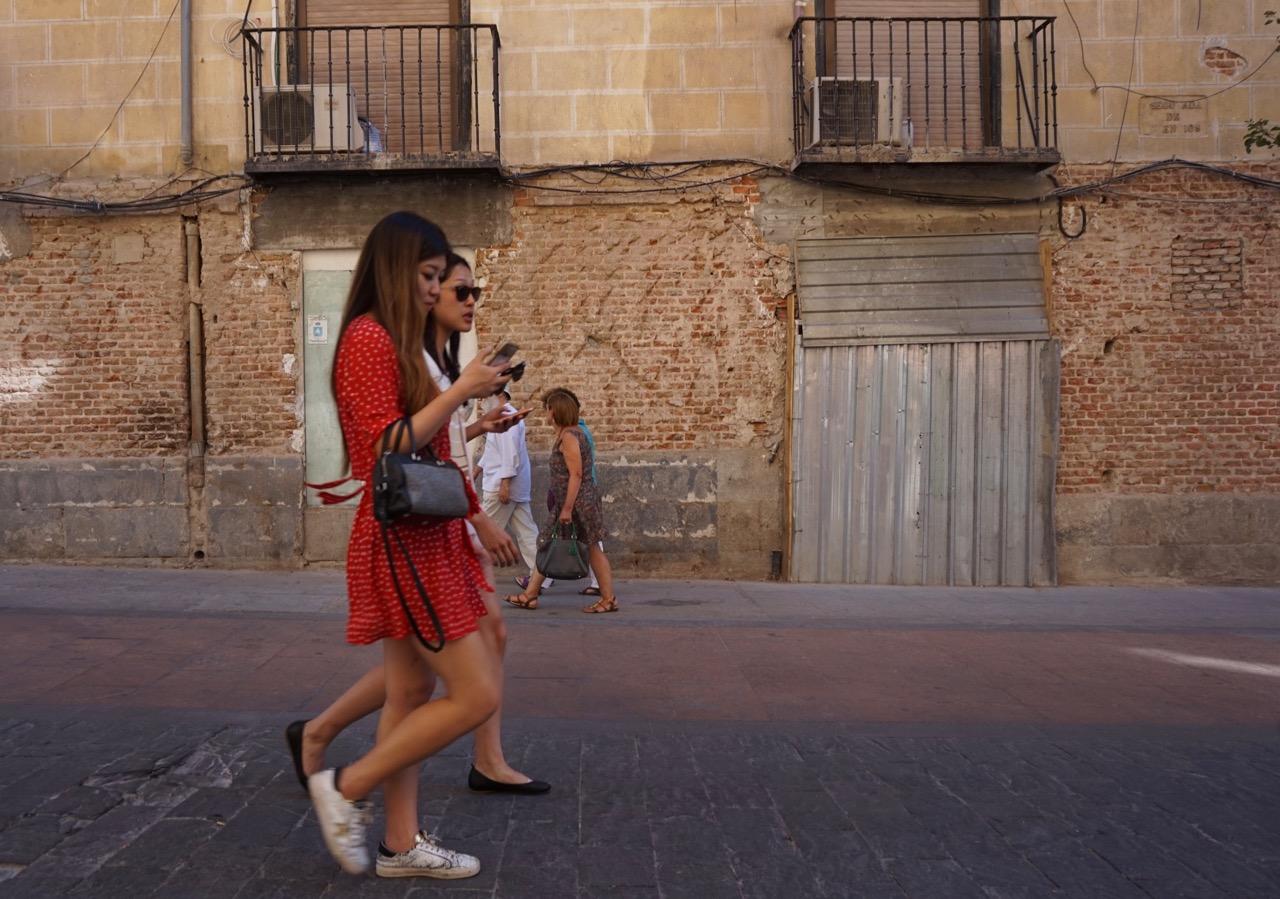 customer service in Madrid, Spain