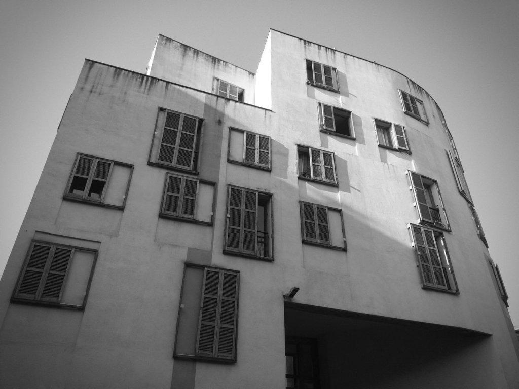 old building born neighborhood barcelona