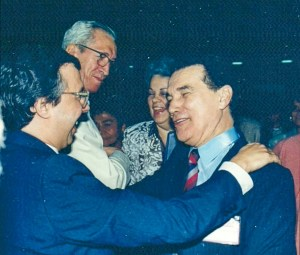 Divaldo Franco com Nazareno Tourinho e este autor, no congresso espírita de Brasília.